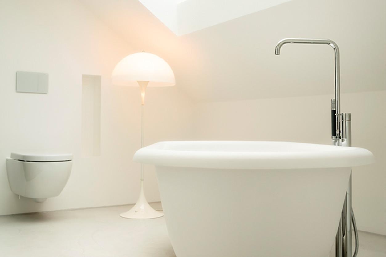 dachbad-bukoll-fugenloses-badewanne-romantisch