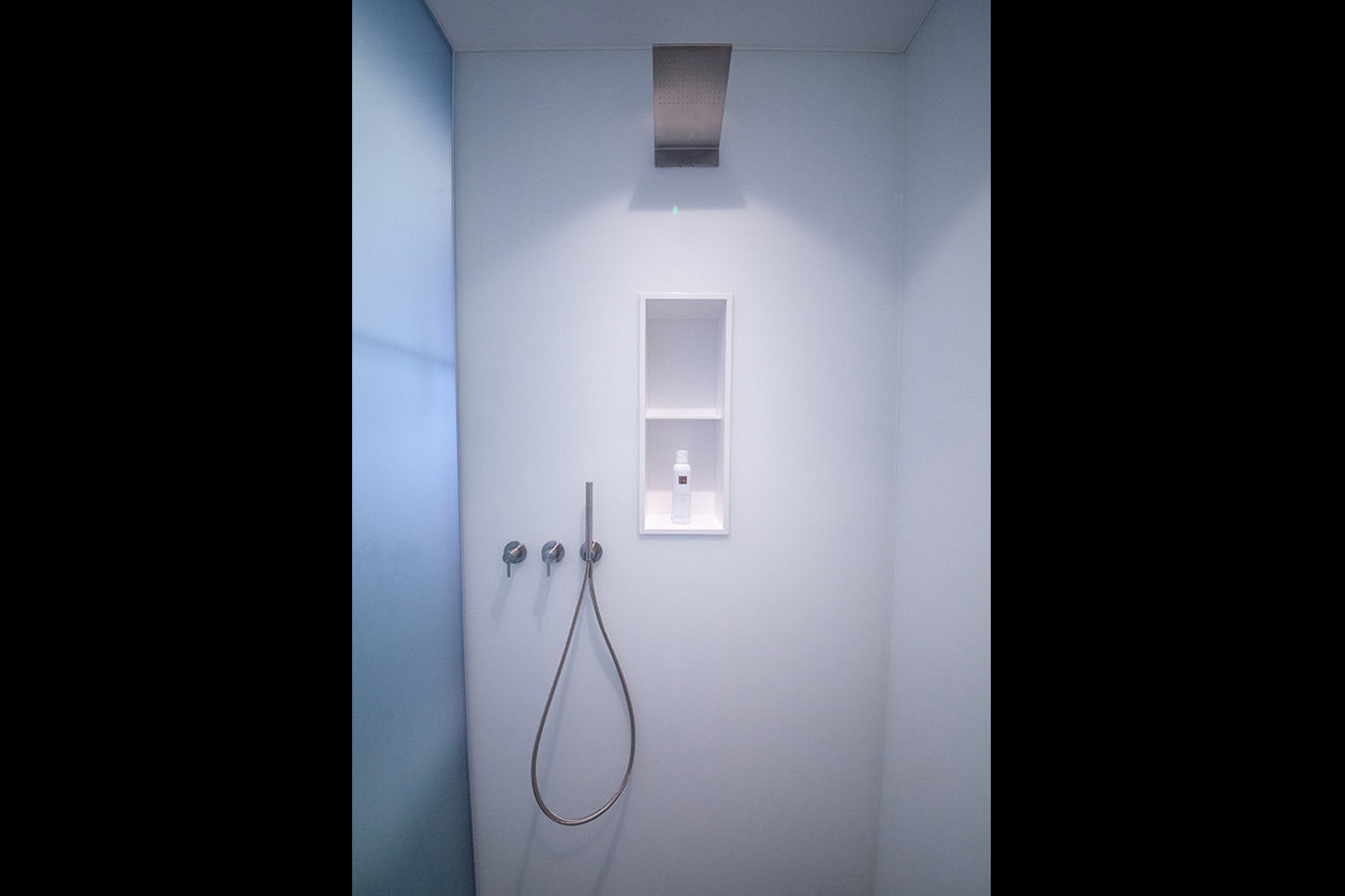 Bukoll Bäder und Wärme, Dießen am Ammersee, Referenzen, kleines Bad in blau, Dusche