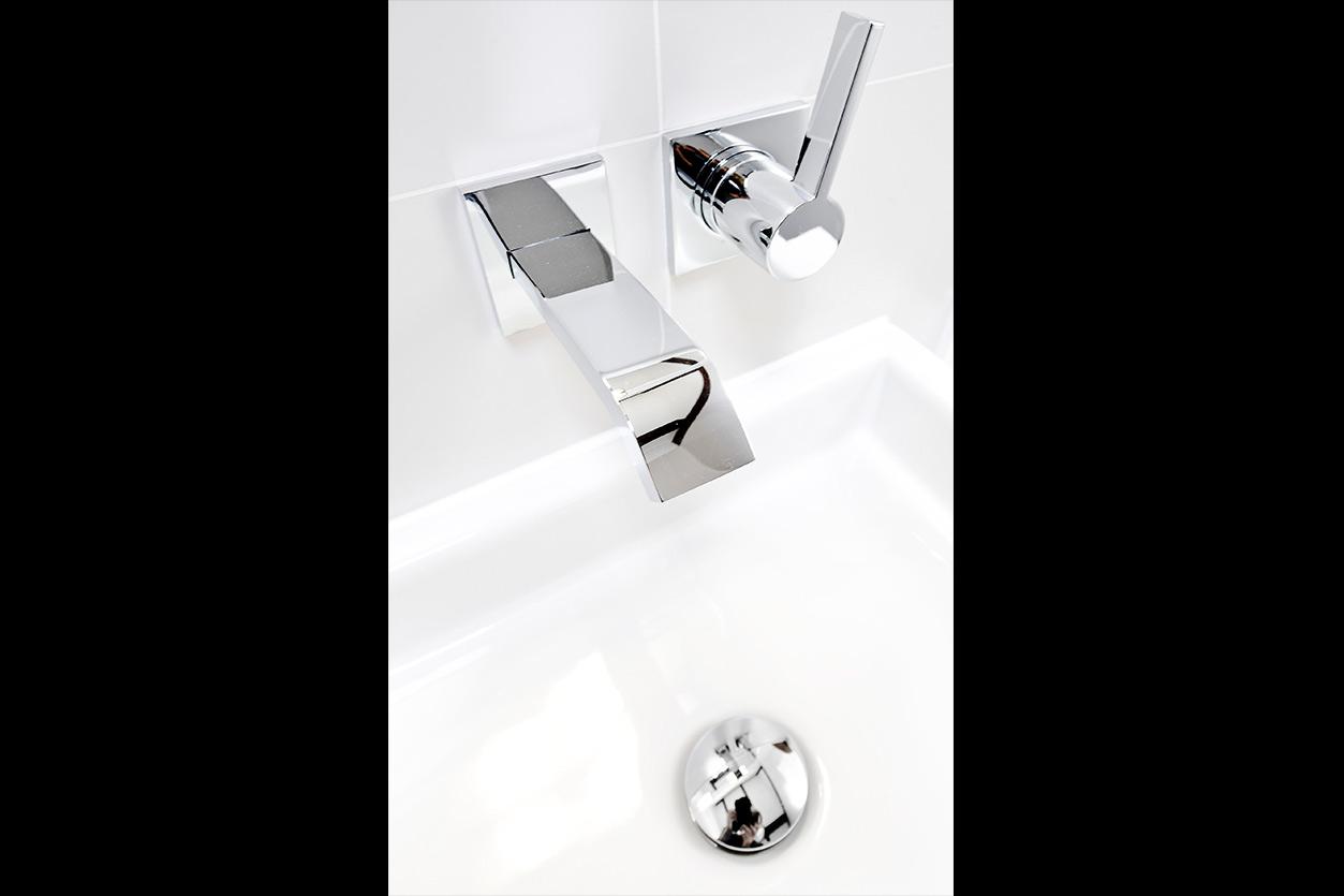 bad-mit-oberlicht-bukoll-waschtisch