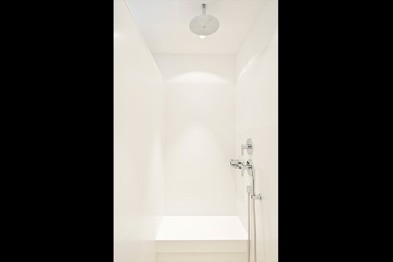 baden-in-gold-bukoll-duschbereich