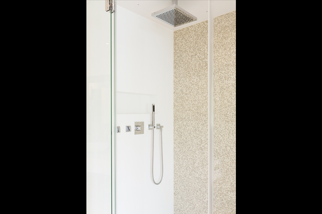 wohlfuehlbad-mit-dampfdusche-bukoll-dusche